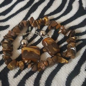 A two piece set women's accessory